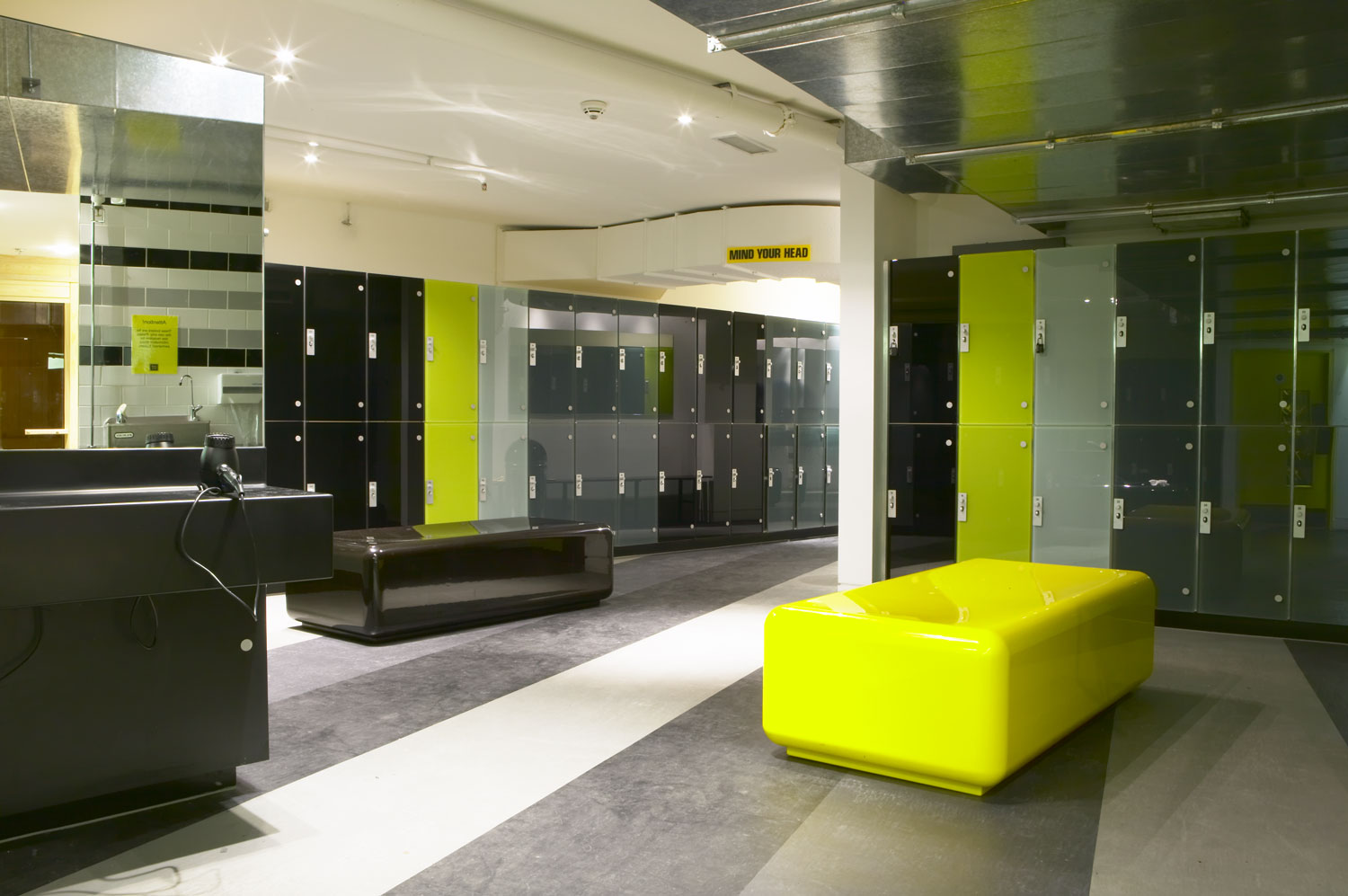 Changing areas at Gymbox Covent Garden, London | Interior Photographer