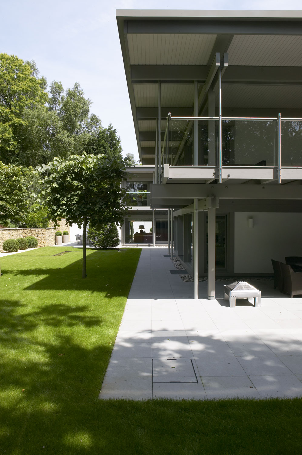 Huf Haus Home in Weybridge, Surrey | | Residential Photographers London