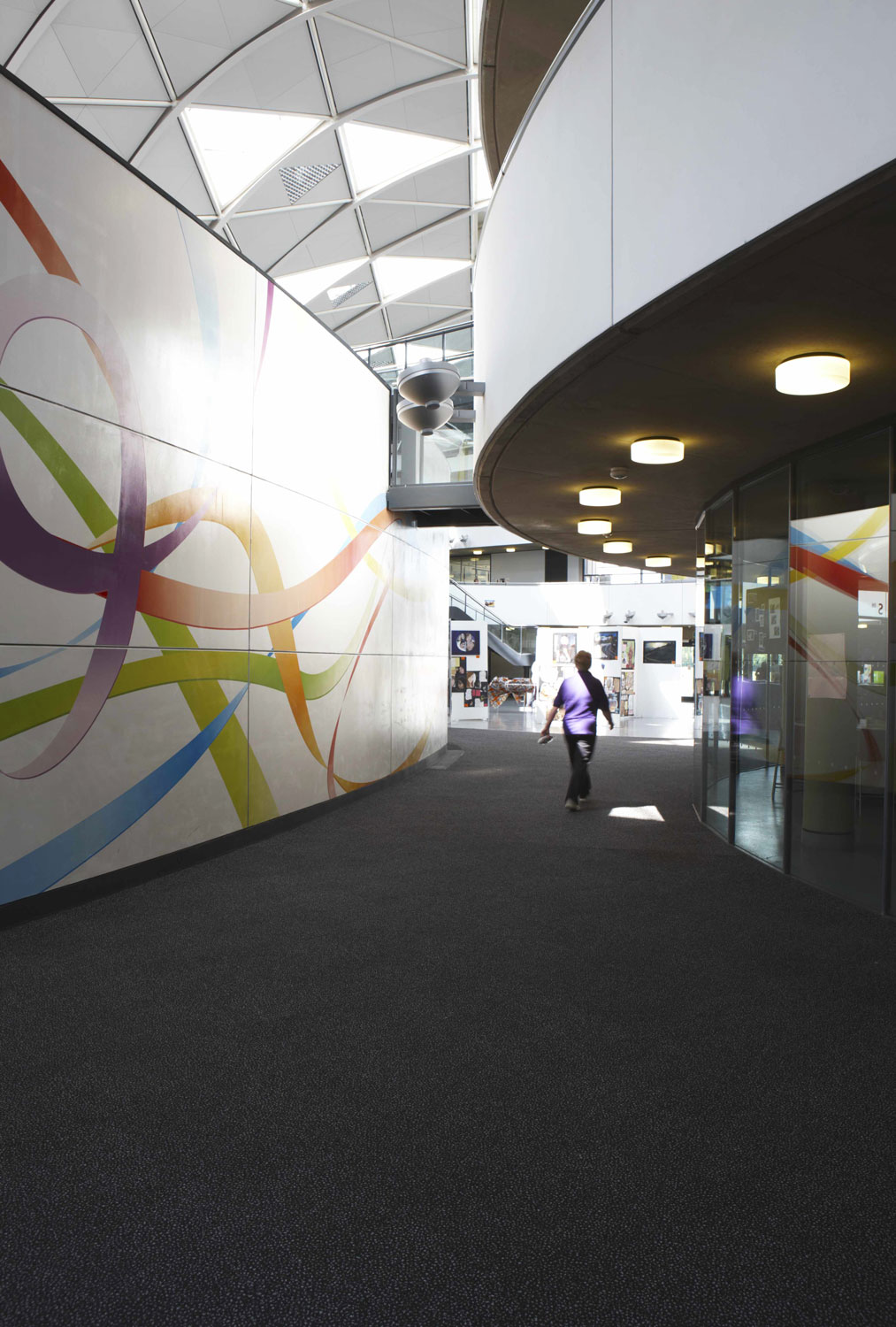 Thomas Deacon Academy curved lecture theatre, Peterborough | Interior Photographers