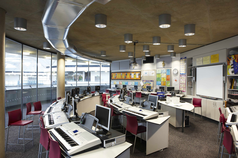 Thomas Deacon Academy classroom, Peterborough   Interior Photographers