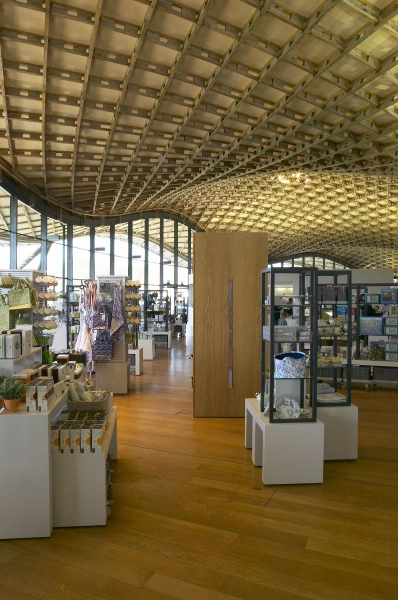 Undulating larch gridshell roof, Savill Building, Savill Gardens, Windsor | Architecture Photographers | Interior Photographer