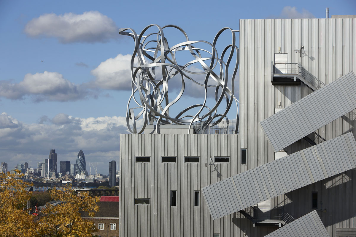 The Ben Pimlott Building 'Squiggle' sculpture at Goldsmiths College | Architectural Detail Photography