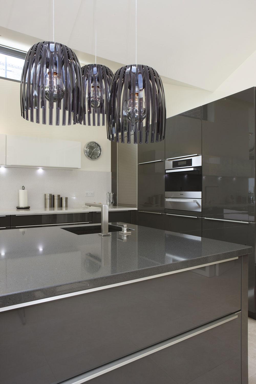 Hitchin Kitchen glass pendulum lamps by mace architects | Interiors Photographer London