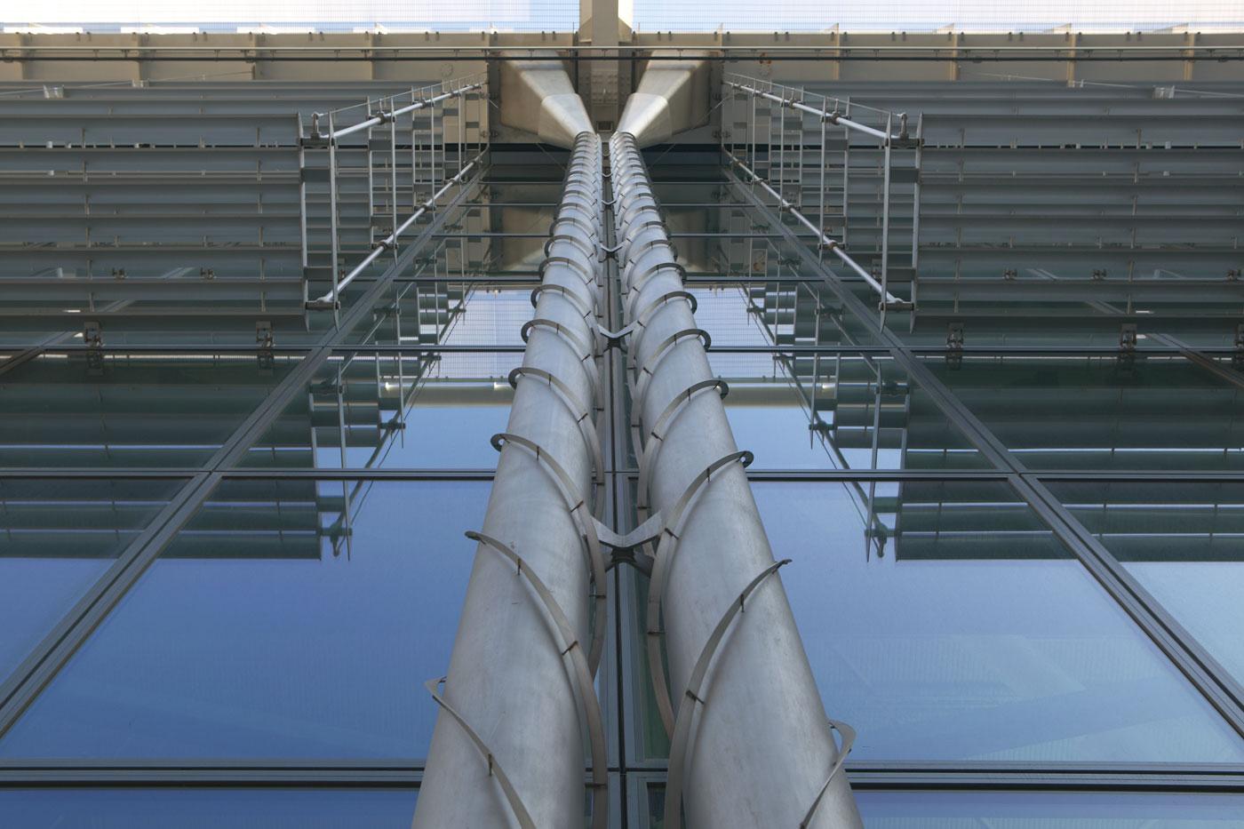 Heathrow Airport Terminal 5 glazed decorative drain system | Commercial Building Photographer